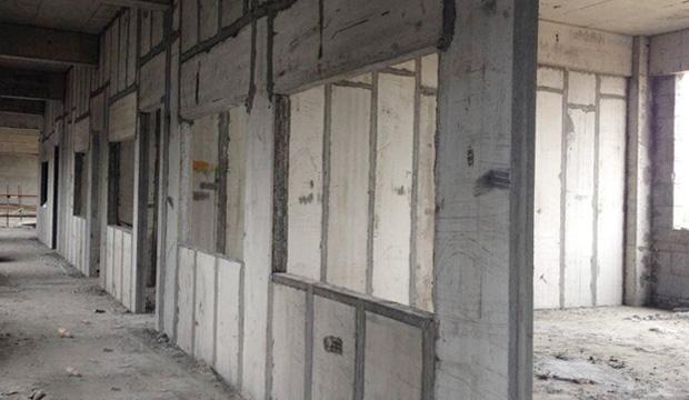 某医院病房大楼隔墙案例